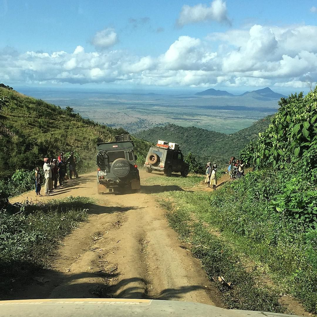 #mountains #tracks #headingtokilimanjaro #kilimanscharo #onthewaytomombasa #tansania #africa #trees #clouds #cloudporn