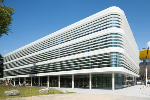 Nueva sede de Trianel / gmp architekten