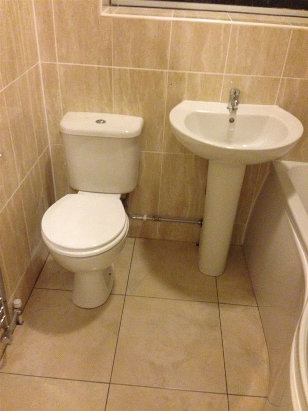 Bathroom Suite With Toilet And Sink