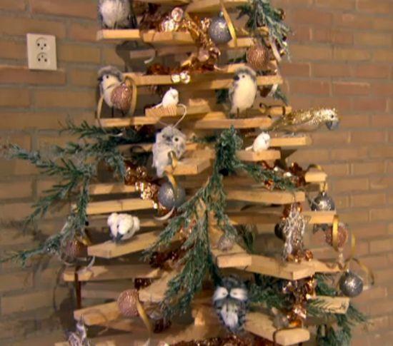 Houten kerstboom 175 cm 3d model met draaibare latten deze boom is versierd door jorna spapens - Hoe een lange smalle gang te versieren ...