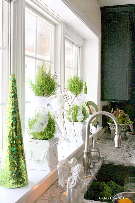 40 Christmas Windows Decorations Ideas And Displays Decor