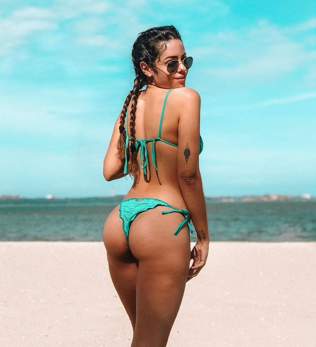 colombian girl hot