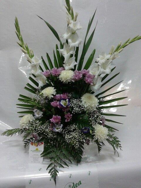 Crisantemos Gladiolos Y Margaritas