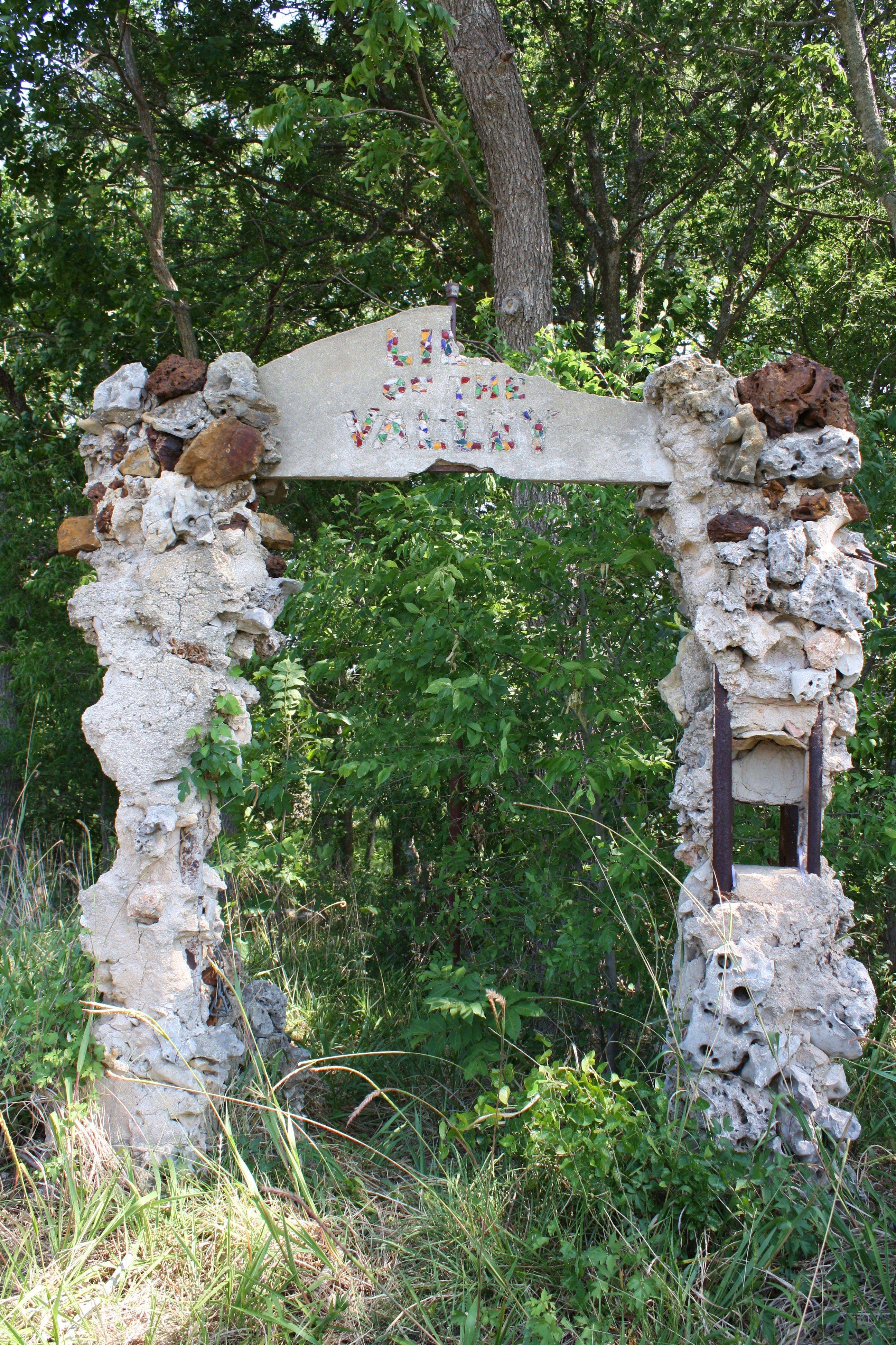 Old Garden Entryway In Comfort Texas Texas Roadtrip Texas