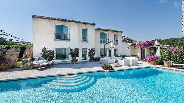 Americans Are Scooping Up Real Estate Bargains Overseas Italy House Villas In Italy Real Estate