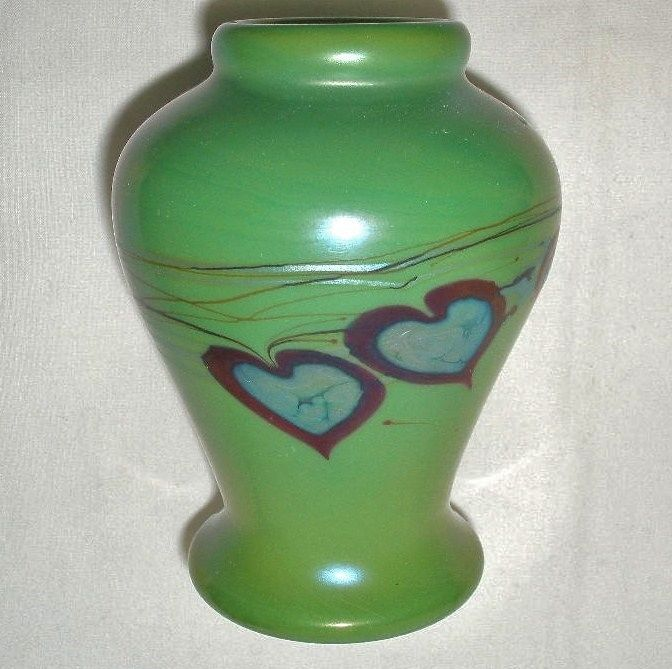 RARE Valentine GREEN Aurene LUNDBERG Glass VASE Blue IRIDESCENT Hearts LOVE Gift