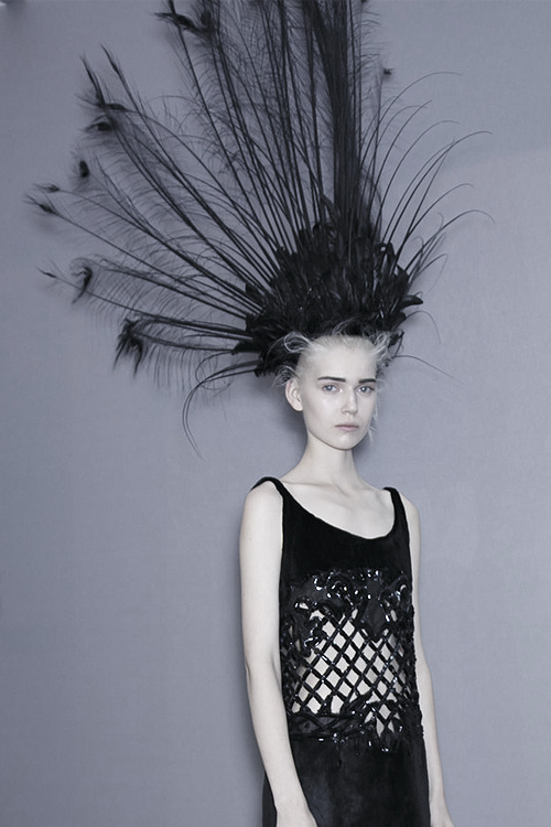 Backstage at Louis Vuitton   Spring 2014 - http://highfashionista.com/backstage-at-louis-vuitton-spring-2014/