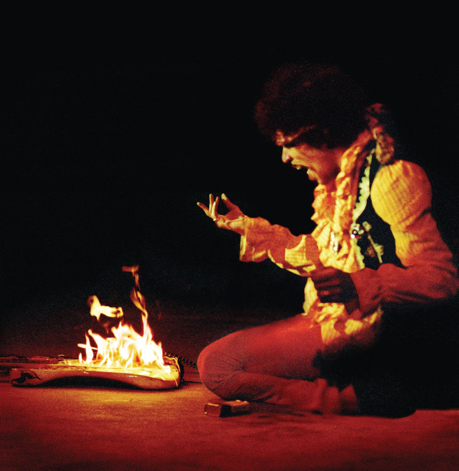 Jimi at Monterey 1967 This blew the audience minds ...