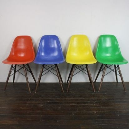 Eames Herman Miller DSW Side Chairs In Brights Blue / Kelly Green