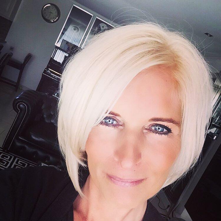 """Mariska Bauer op Instagram: """"Kapper bezoekje gehad van paar uurtjes !!! Van grijs naar donker van donker naar blond !! Hallo ☀️"""""""