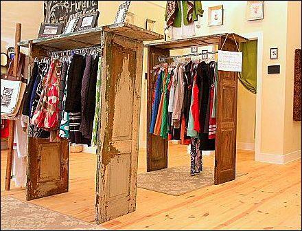 Clothing booth display ideas vintage door clothing for Retail clothing display ideas