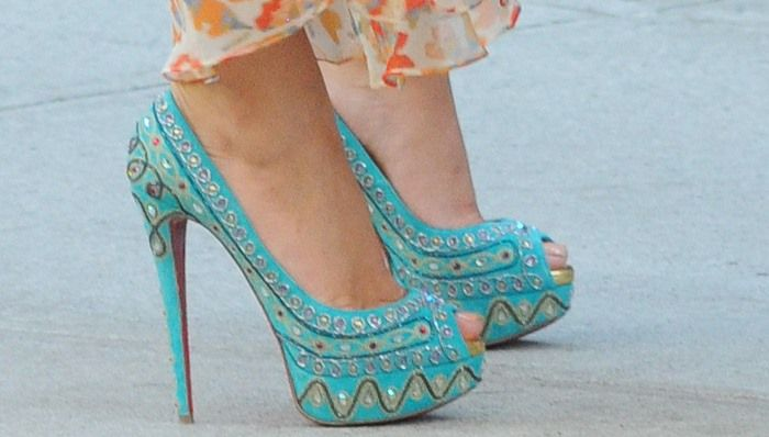 4869e5e2dd69 Blake Lively in Turquoise Christian Louboutin