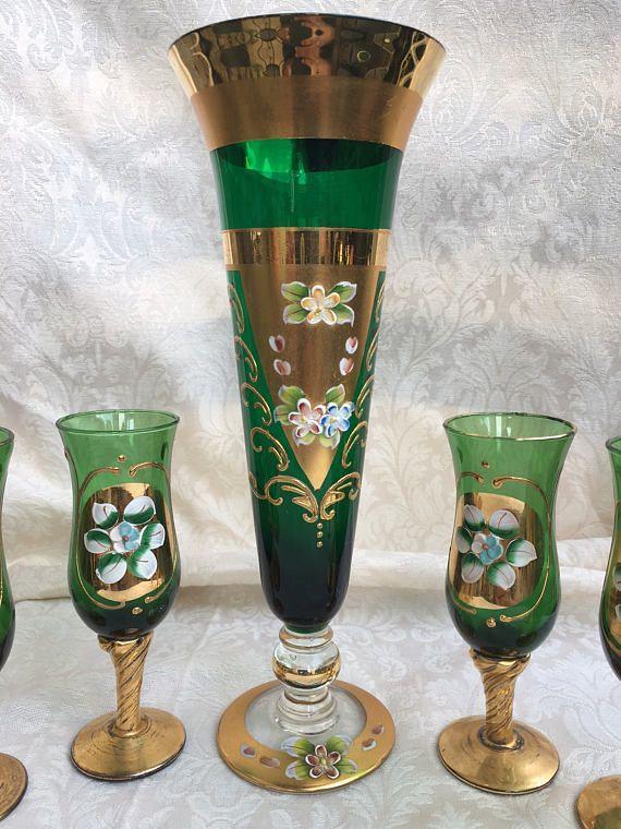 Emerald Green Seyei Victorian Glass Vase 6 Small Liqueurer Glass
