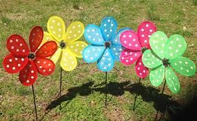 Risultati immagini per pinwheels  garden decor