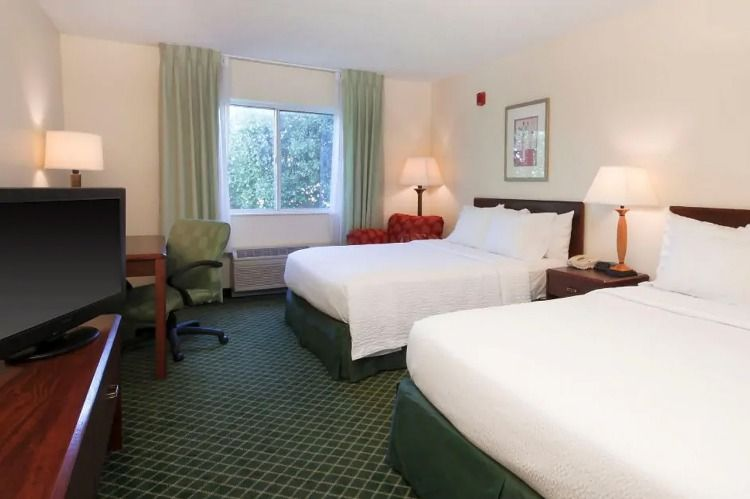 Wingate Hotel Oklahoma City Ok Offers Comfortable Accommodations With Free Breakfast Free Parking Free Wif Hotels In Oklahoma City Oklahoma City Hotels Hotel