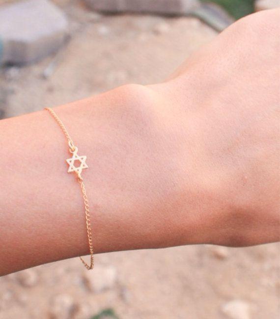 Delicate Gold Chain Bracelet