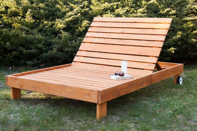 Build This Outdoor Chaise Lounge With Sturdy All Weather Cedar This Outdoor Chaise Seats Outdoor Chaise Lounge Diy Diy Outdoor Furniture Diy Patio Furniture