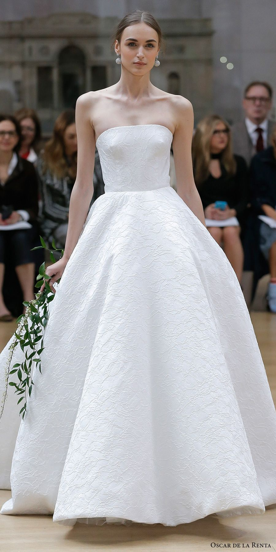 Oscar de la Renta Spring 2018 Wedding Dresses — New York Bridal ...
