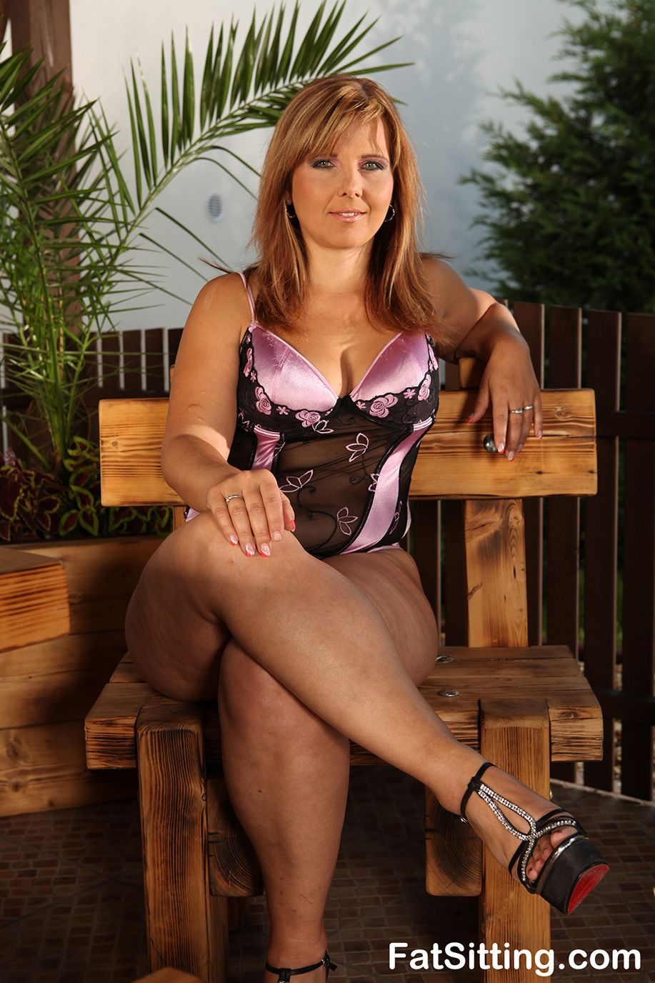 cougar porn galleries - Do you love fat girls getting fucked deep and hard? Then you willl like our  chubby porn pics site with tons of free BBW legs pics galleries.