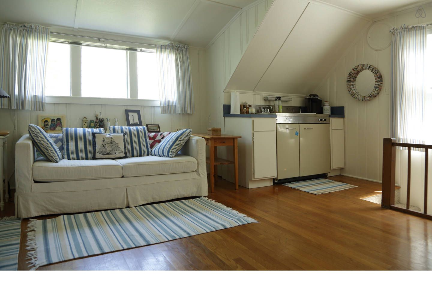 Charming Studio Apt Above Garage In Virginia Beach Small Dream Homes Home Apartments For Rent