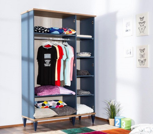 خزائن الحائط فكرة جيدة في إستغلال المساحة بشكل ذكى يمكن اختيار لون وتصميم الخزائن ليناسب ديكور الغرفة فهذه الخزا Wall Safe Wall Cabinet Decorating Shelves