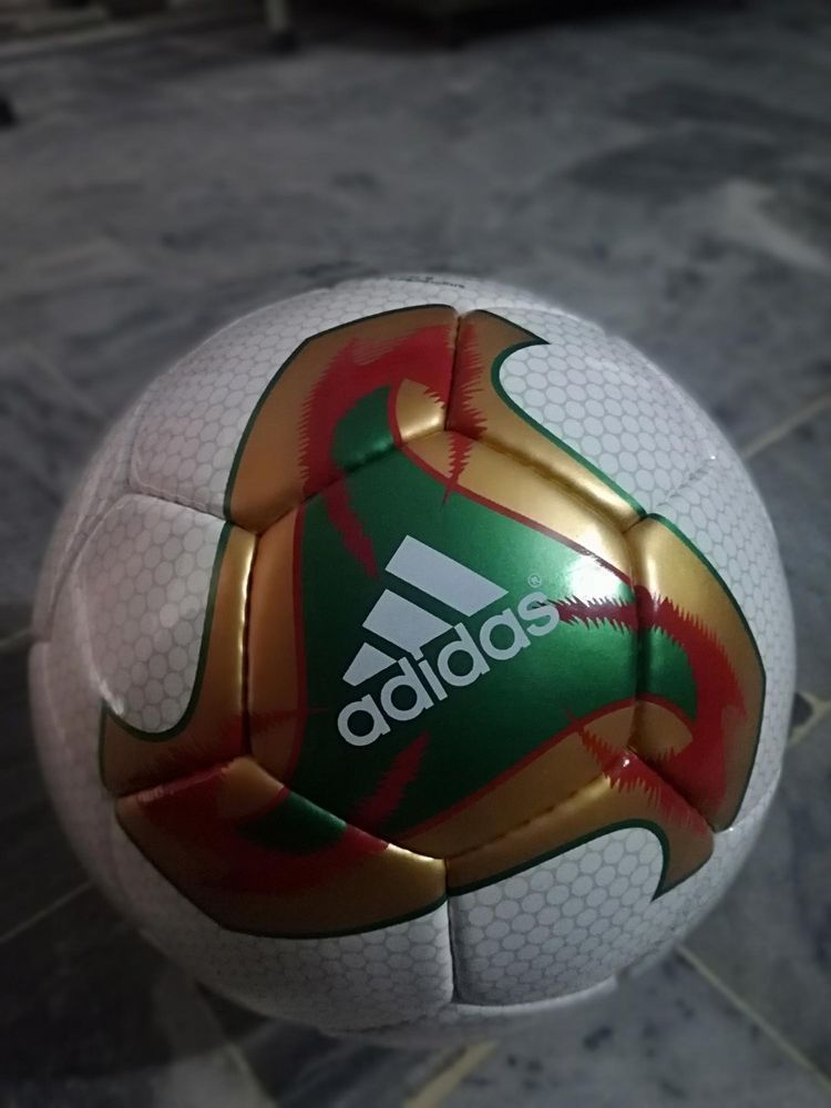 Adidas Fevernova Gold Official Match Ball Fifa World Cup Ball 2002 No 5 Re Fifa World Cup World Cup Ball