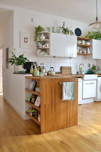 GroBartig Schöne Offene Küche. Mit Viel Luft Und Grünpflanzen.