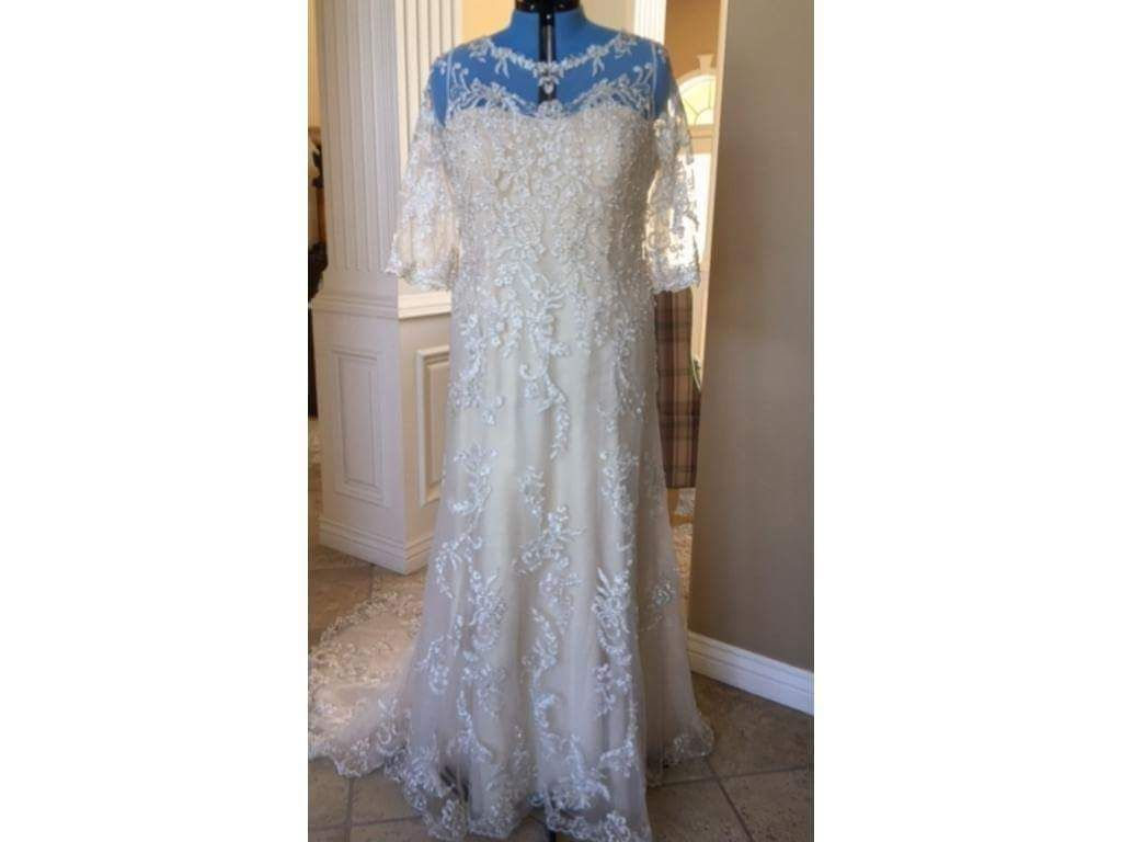 Size 32 wedding dress   Surreal and Hypnotic plus Size Romantic Wedding Dress that Put