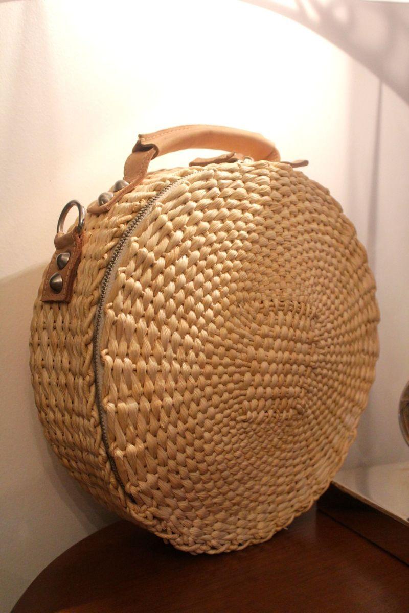 5e925e535 bolsa redonda de palha da farm | Acessórios | Bags, Straw Bag e Fashion