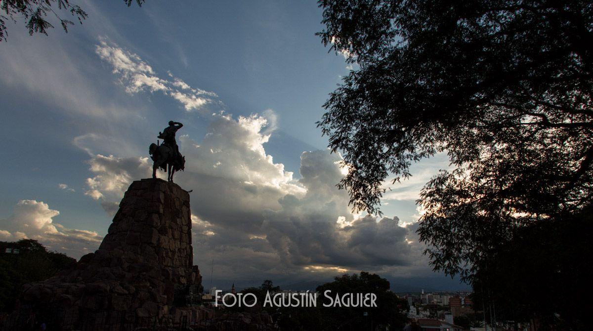 Monumento a Güemes, ciudad de Salta, 2012