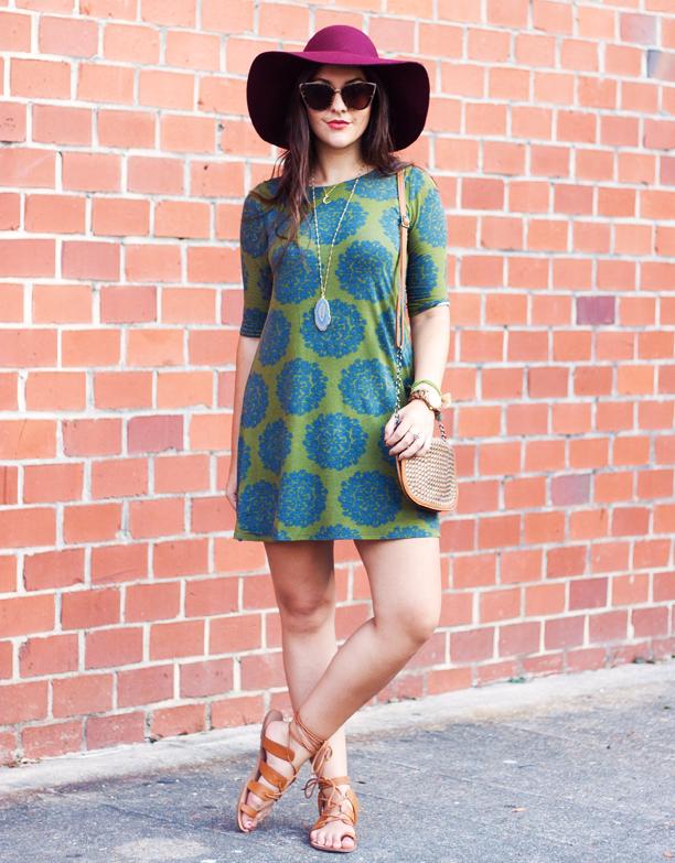 vintage-dress-with-boho-hat