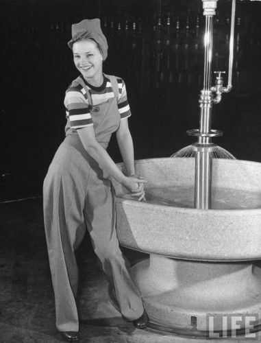 1940s Ladies Workwear Clothes- Rosie's To Nurses