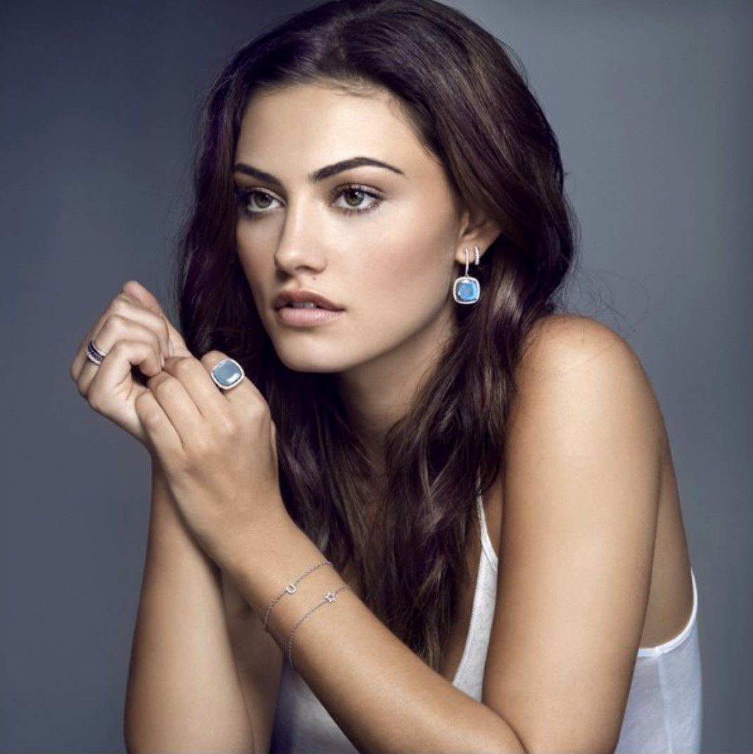 Phoebe Tonkin Iphone Wallpaper Phone Is 4k Wallpaper