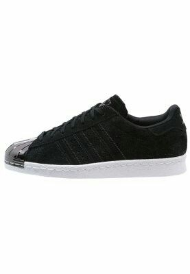 new arrival 1a0fd e3cd9 Adidas superstar negro con punta metálica. 130€ Superstar Negras, Superstar  80s, Adidas