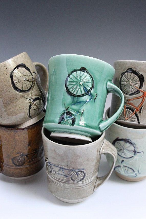 bikes and Bicycles Love Girls. http://bicycleslovegirls.tumblr.com/