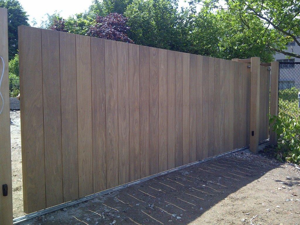 Houten schuifpoort google zoeken huis en tuin deco pinterest gardens gates and driveways - Deco massief buiten ...