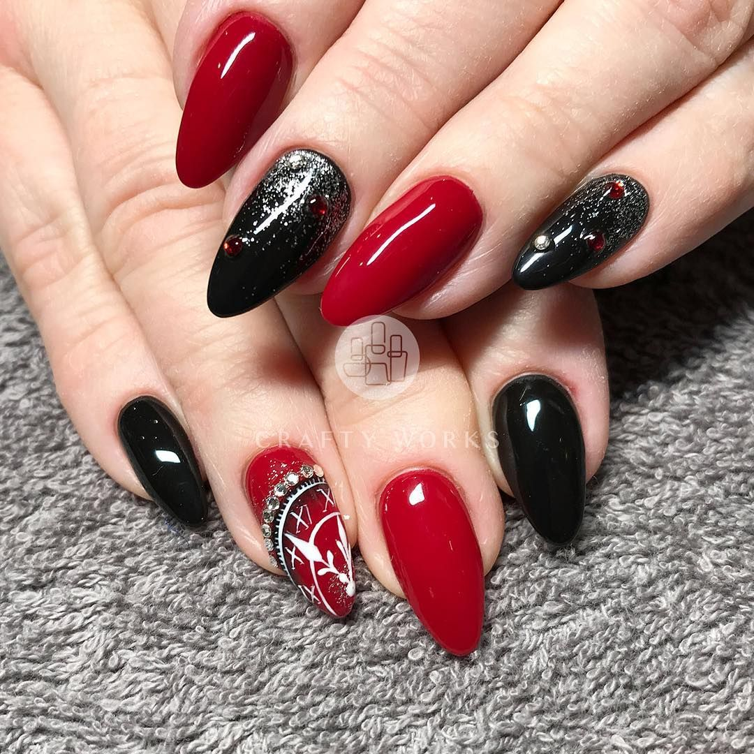 Credit Red And Black Nails Idea Red And Gold Nails Shiny Nails
