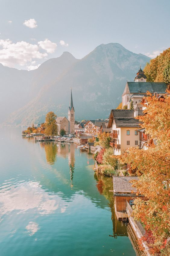 Austria is a beautiful country to explore and a place that's so much more than its capital city, Vienna. Now, that's not saying Vienna is bad (it's actually amazing) but there really is a shed load of other beautiful and picturesque spots to see.