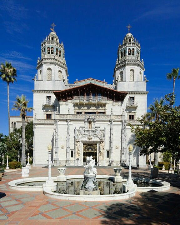 San Simeon Apartments: Fountain And Front Courtyard, Hearst Castle, San Simeon