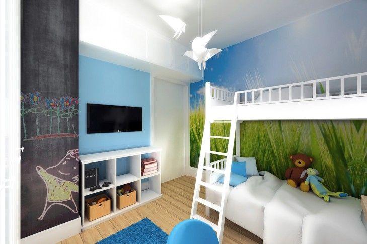 Aranżacja wnętrz pokoju dla dzieci z łózkiem piętrowym - Tissu. Projekt wnętrz niebieskiego pokoju dla dzieci z fototapetą i czarną farbą tablicową na ścianie. http://www.tissu.com.pl/zdjecia/392