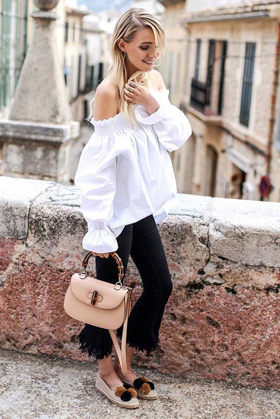 Outfit vestido negro con beige