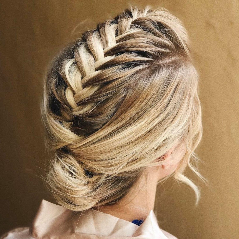 trendiest updos for medium length hair in wedding
