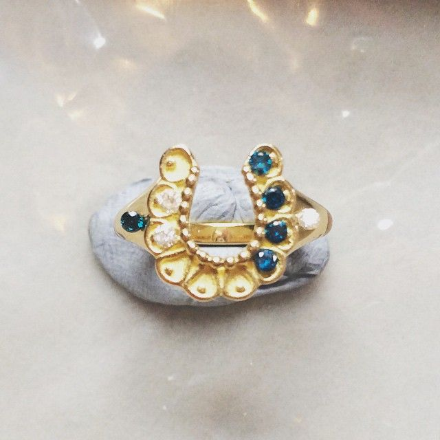Lucky horseshoe 18ct gold pinky ring in white or blue diamonds or