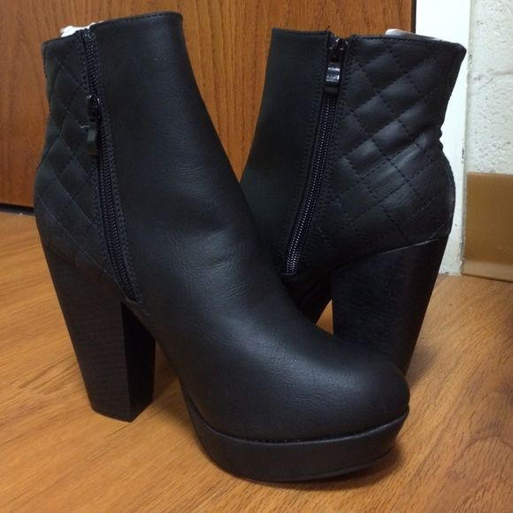 dd95daca0d2 ... from Nordstrom Rack Brand new and never worn! Only tried on. Black with  stitched detailing on back and gold zipper on outer side of each boot. Size  8.