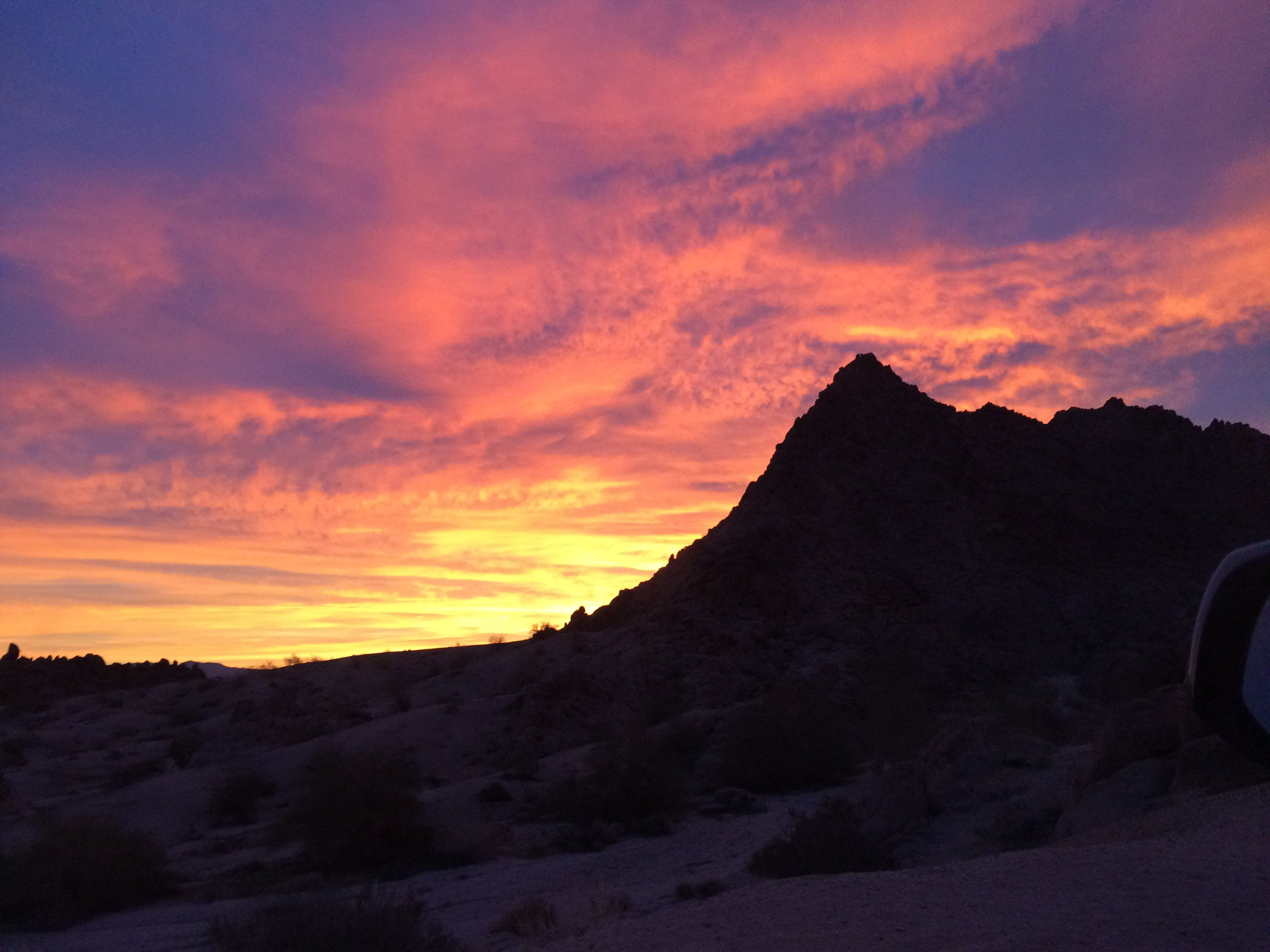 A Colorful Desert Sunrise Chiriaco Summit California Album And Time Lapse In Comments Desert Sunrise Sunrise Pretty Sky