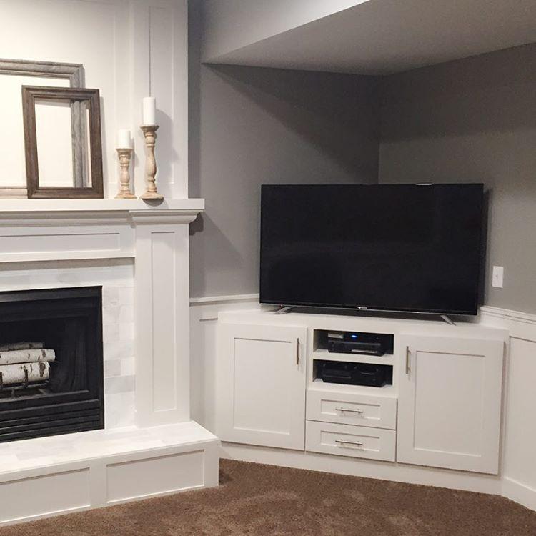 Homemnprovement On Instagram This Little Corner Built In Entertainment Center Is On The Built In Tv Cabinet Corner Tv Cabinets Built In Entertainment Center
