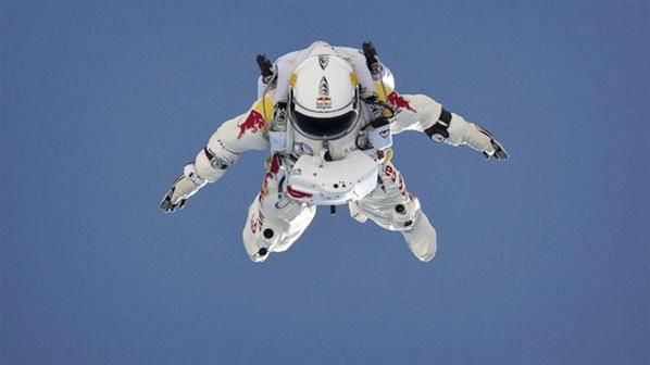 Felix Baumgartner cumple su sueño de ser el primer hombre supersónico (© Reuters)
