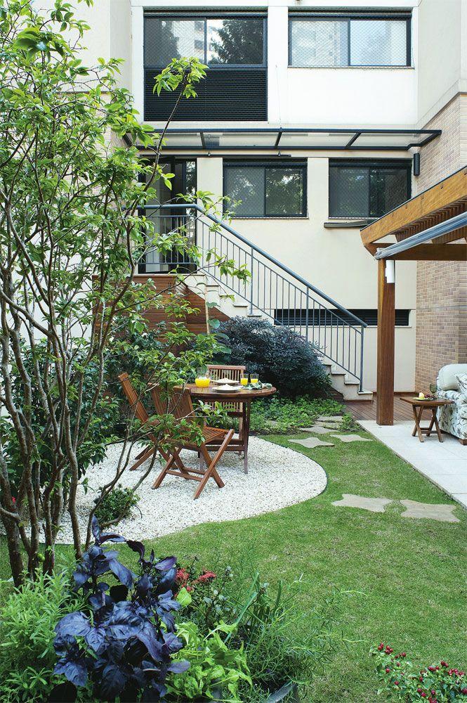 Quintal de apartamento flores, horta e frutíferas na cobertura Casa Jardim secreto  -> Decoração De Jardins Com Pedras E Flores