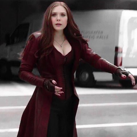 Pin By Katrina On Wanda Maximoff Elizabeth Olsen Scarlet Witch Scarlet Witch Cosplay Scarlet Witch Marvel