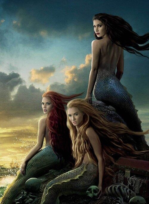 what is a female siren